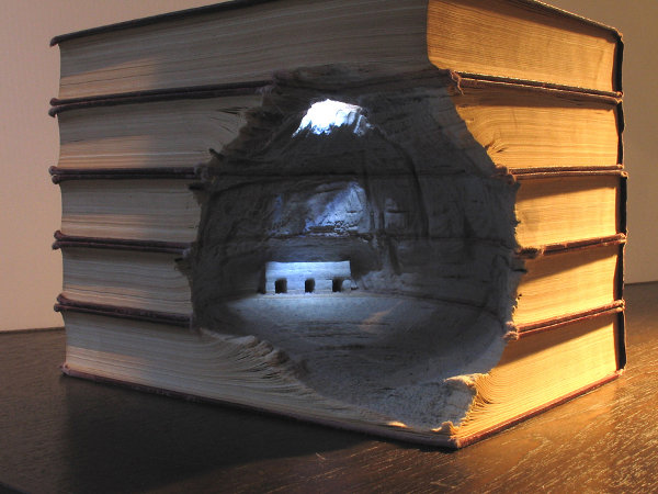 Carved-Books-by-Guy-Laramee-1.jpg